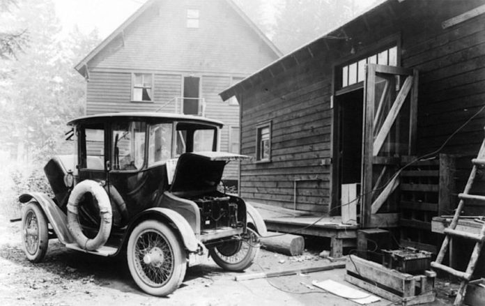 I hope this fits here. One of the first electric cars ...